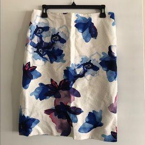 Banana Republic Floral patterned pencil skirt